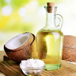 Ulje kokosa za lice je idealna namirnica za kožu bez bora i lice bez akni